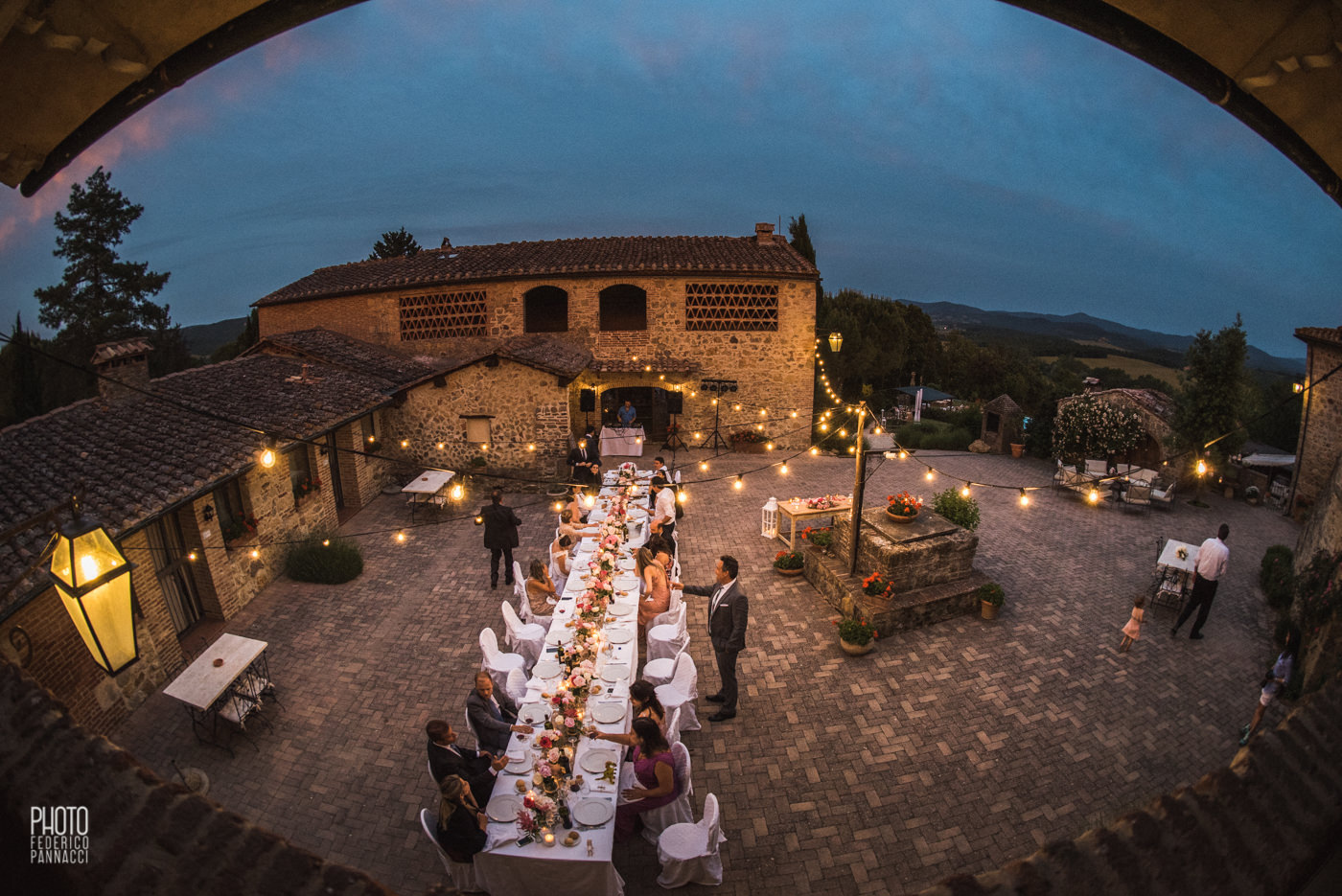 http://www.tenutadipapena.it/wp-content/uploads/2016/11/112-DestinationWedding-SanGalgano.jpg