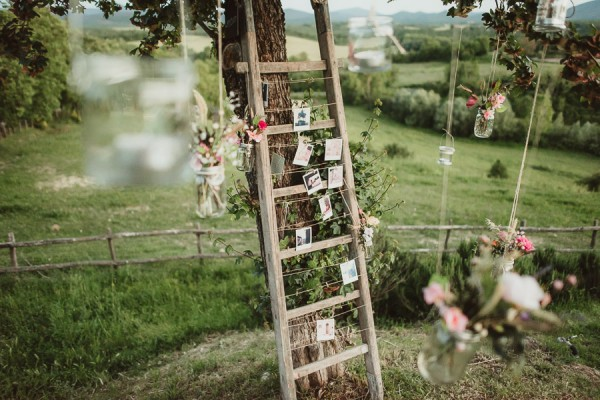 tuscan-country-chic-wedding-photography-open-field-ceremony-1121
